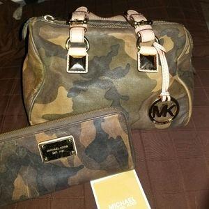 NWOT Vintage Camo MK purse